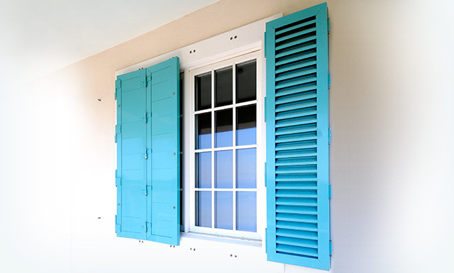 Roll Safe Hurricane Shutters Make Your Houses Safe With